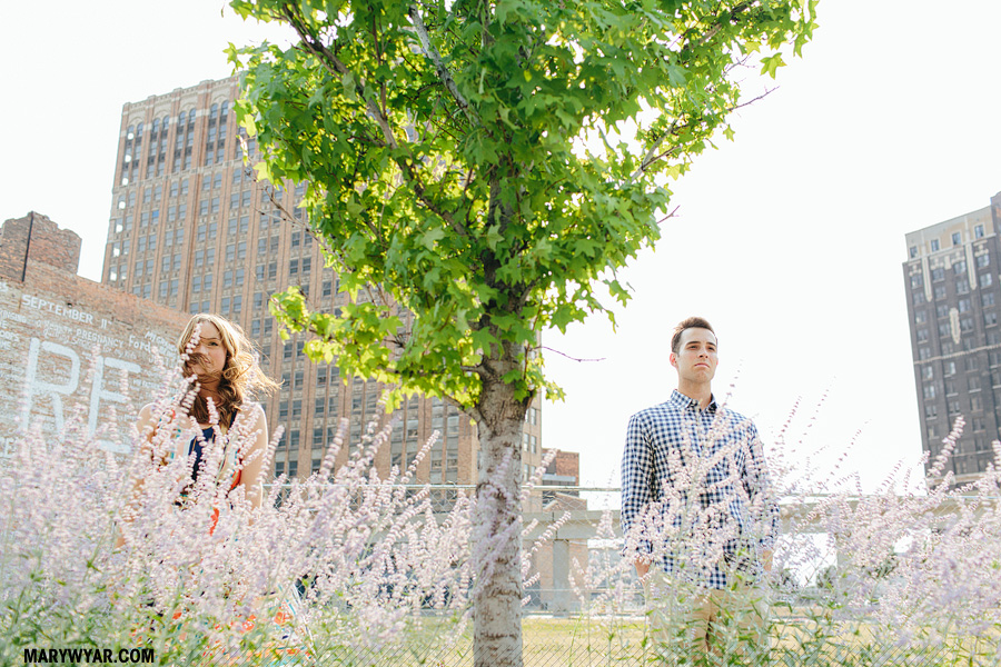 whitneyeric--detroit-wedding-photographer-downtown-detroit-engagement-07.jpg