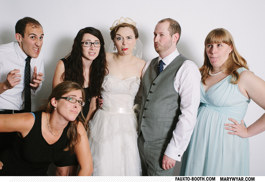 Clair-toledo-nazareth-hall-wedding-photographer-photobooth-Fauxto-Booth-11.jpg