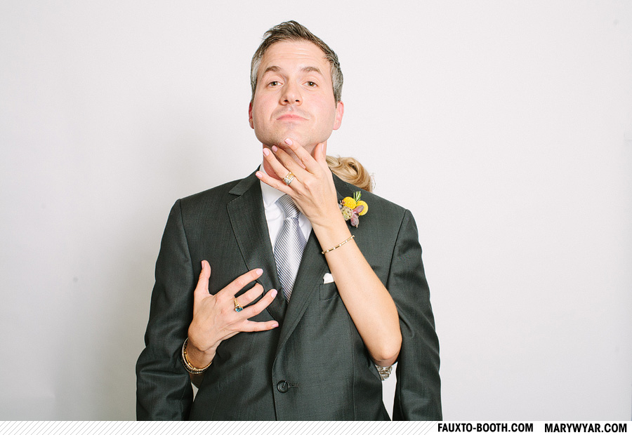 JuliusWhitehead-toledo-wedding-photographer-photobooth-Fauxto-Booth-01.jpg