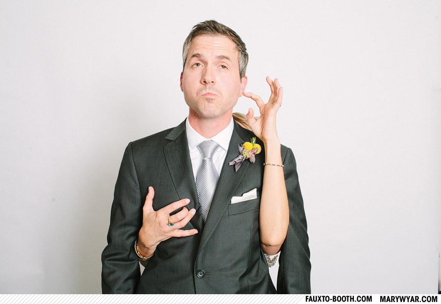 JuliusWhitehead-toledo-wedding-photographer-photobooth-Fauxto-Booth-02.jpg