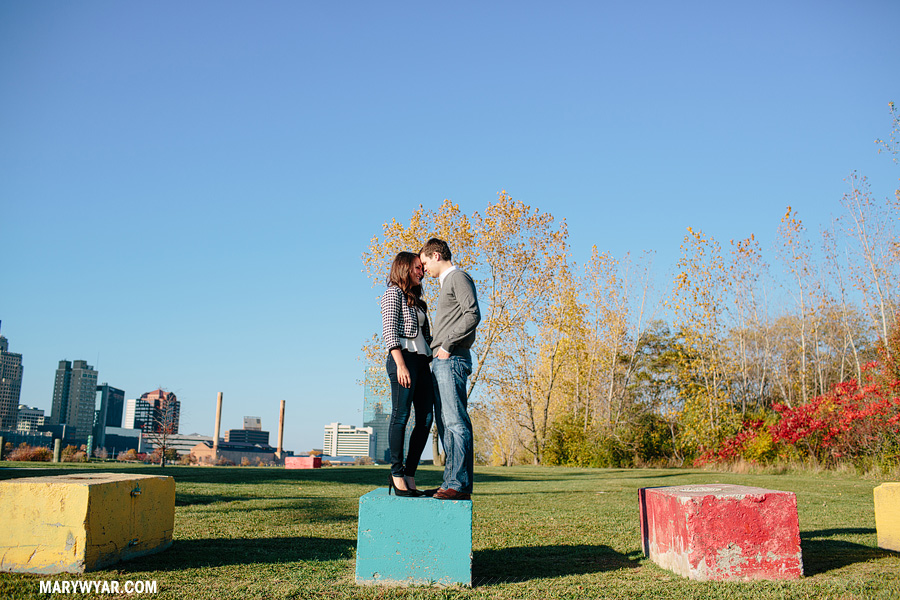 BrennaPat-toledo-wedding-photographer-downtown-toledo-engagement-08.jpg