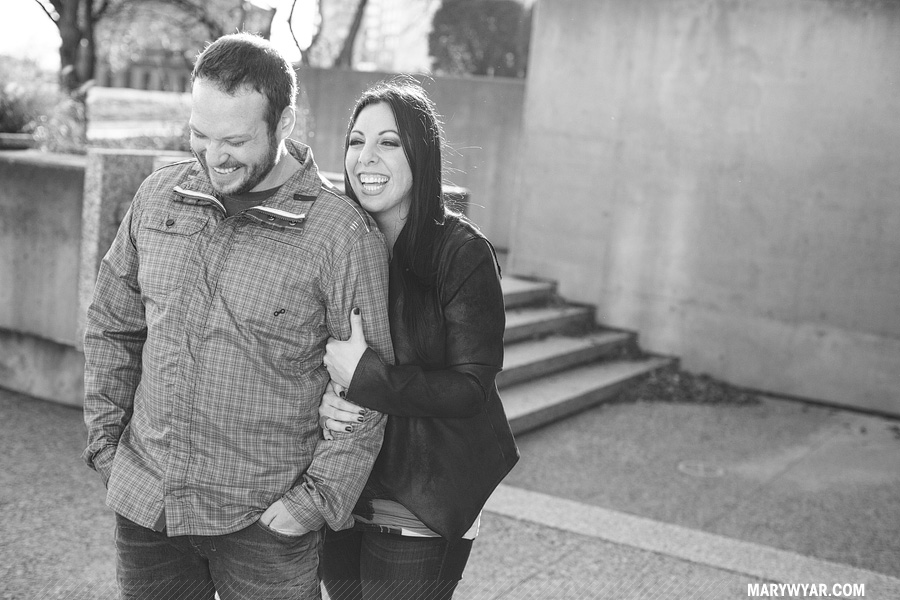SarahChris-toledo-wedding-photographer-downtown-toledo-engagement-07.jpg