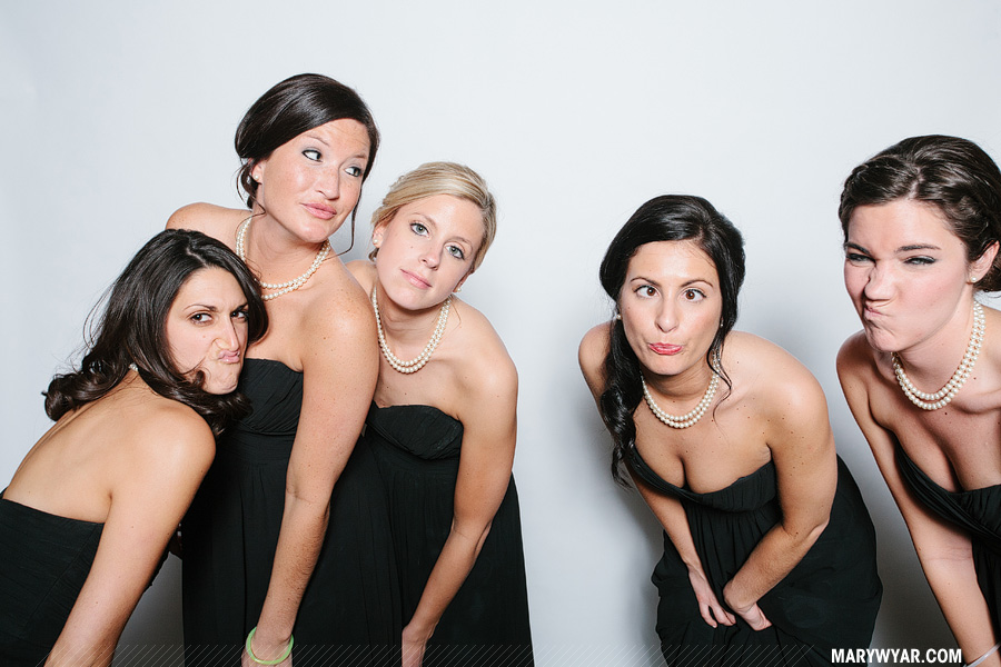 Stark-Toledo-wedding-photographer-photobooth-Fauxto-Booth-08.jpg