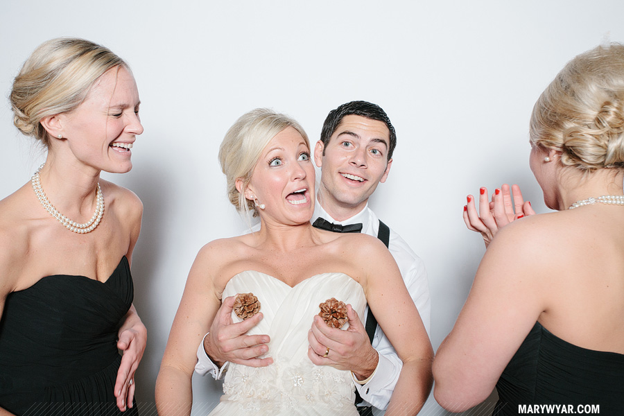 Stark-Toledo-wedding-photographer-photobooth-Fauxto-Booth-13.jpg