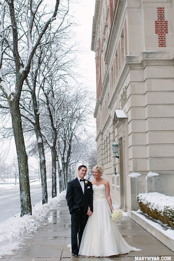 CarolineDrew-Toledo-wedding-photographer-Toledo-Club-Winter-Christmas-23.jpg