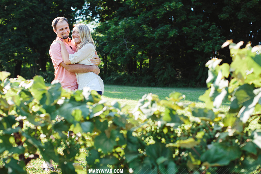 JaclynnJustin-toledo-wedding-photographer-port-clinton-engagement-02.jpg