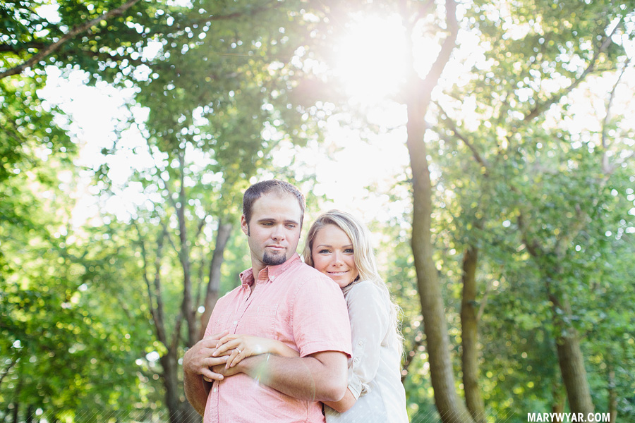 JaclynnJustin-toledo-wedding-photographer-port-clinton-engagement-13.jpg