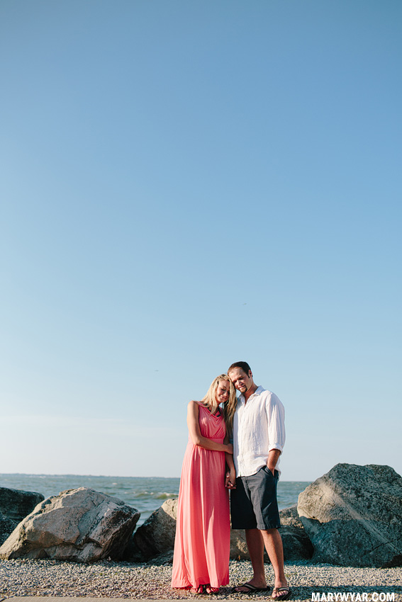 JaclynnJustin-toledo-wedding-photographer-port-clinton-engagement-26.jpg