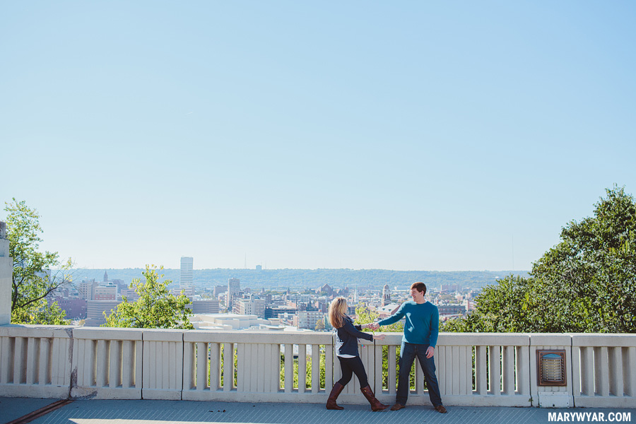 katiejared-cincinnati-mt-adams-Wedding-Photographer-engagement-06.jpg