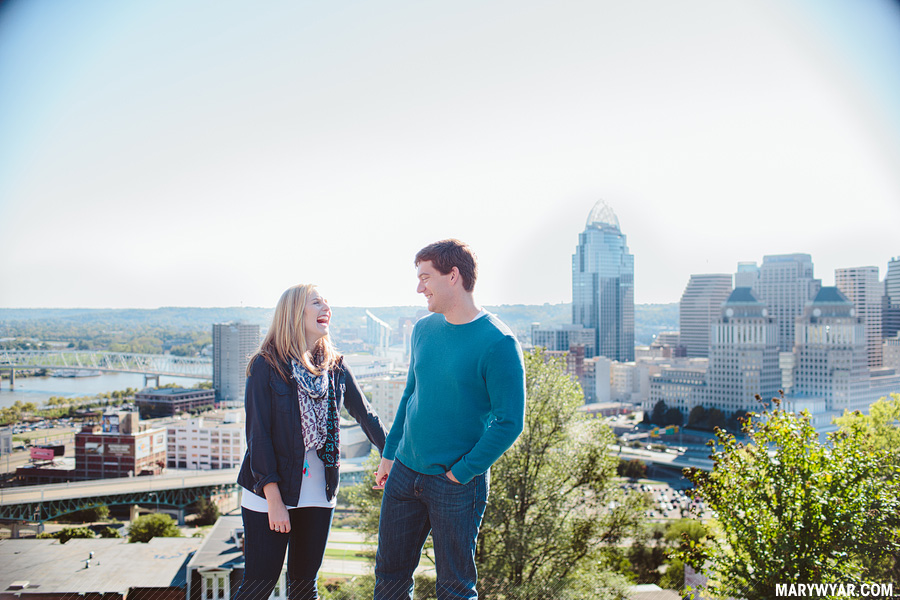 katiejared-cincinnati-mt-adams-Wedding-Photographer-engagement-09.jpg