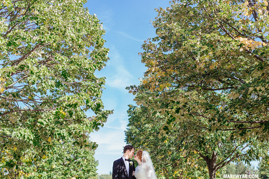 AmyLuke-Toledo-wedding-photographer-Toledo-Club_Botanical_Gardens-22.jpg