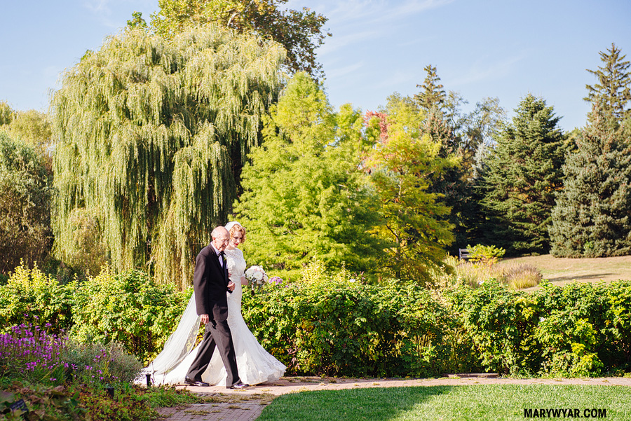 AmyLuke-Toledo-wedding-photographer-Toledo-Club_Botanical_Gardens-38.jpg