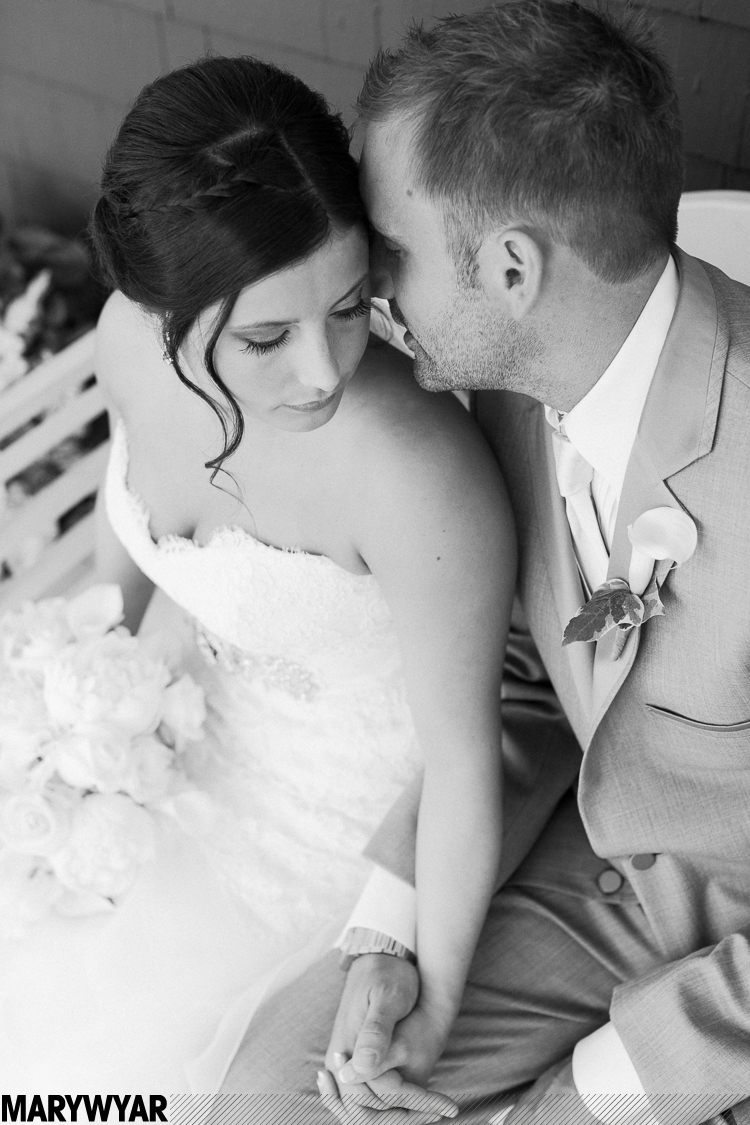 ToledoCountry Club Wedding Photos17.jpg