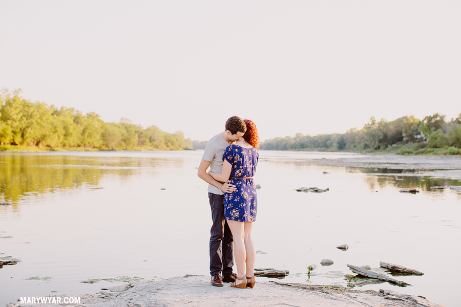jessiejesse-toledo-wedding-photographer-maumee-river-antique-mall-18-d35e