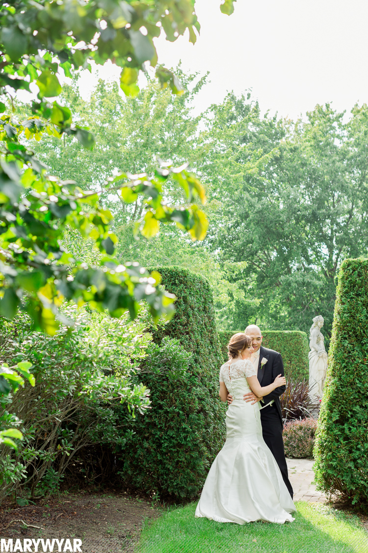 Highland Meadows Golf Club Wedding Toledo Botanical Gardens Toledo Wedding Photographer