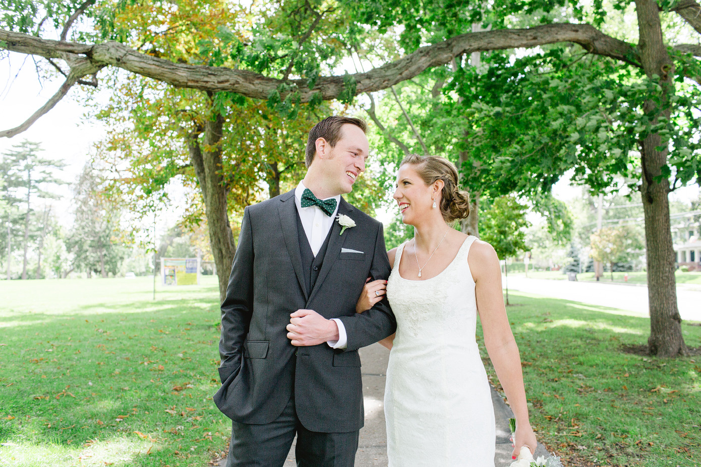 toledo-outdoor-ceremony-at-walbridge-park-reception-at-the-blarney