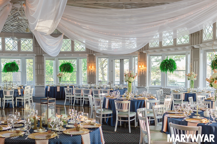 Toledo Country Club Wedding With Crowning Celebrations