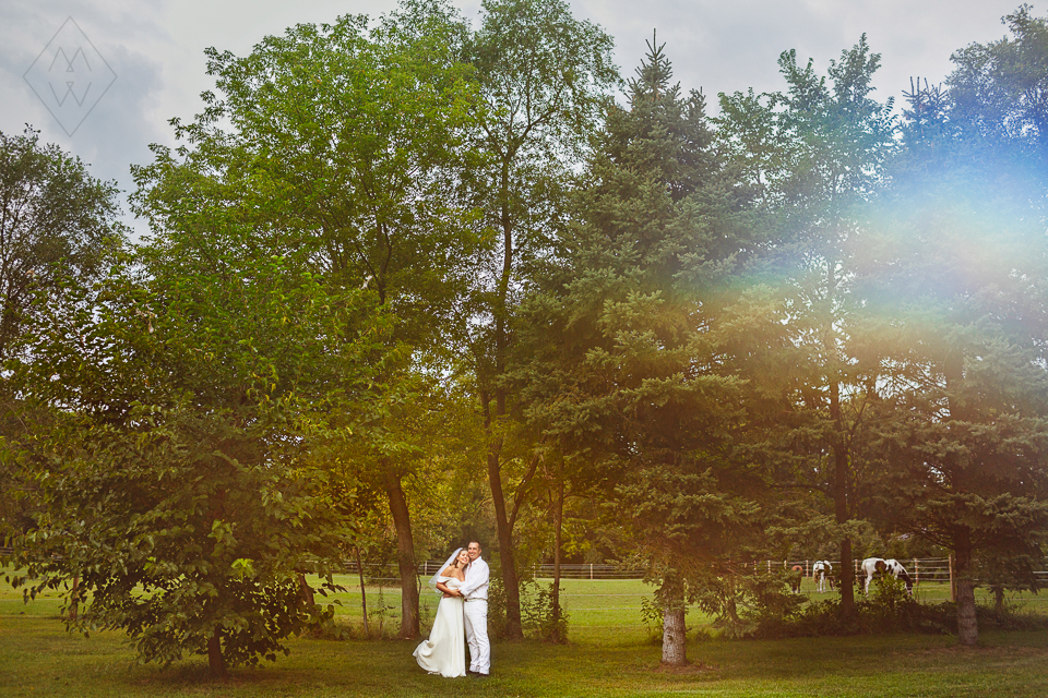 toledo Michigan outdoor Hawaiian wedding photos