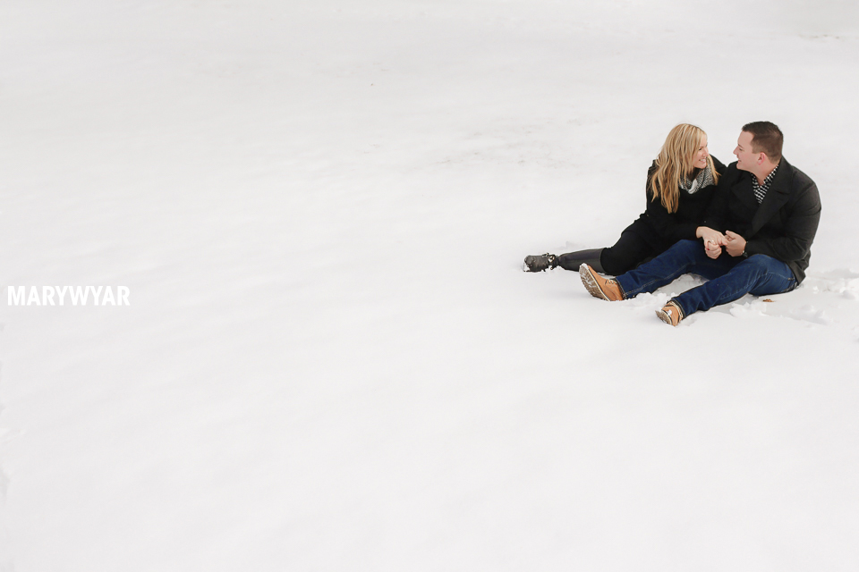 Toledo-Winter-Engagement-Photos-LaurenBrodie-01