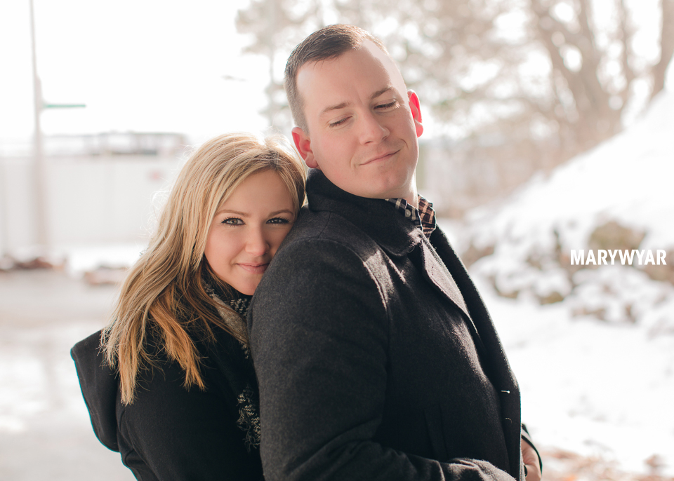 Toledo-Winter-Engagement-Photos-LaurenBrodie-06