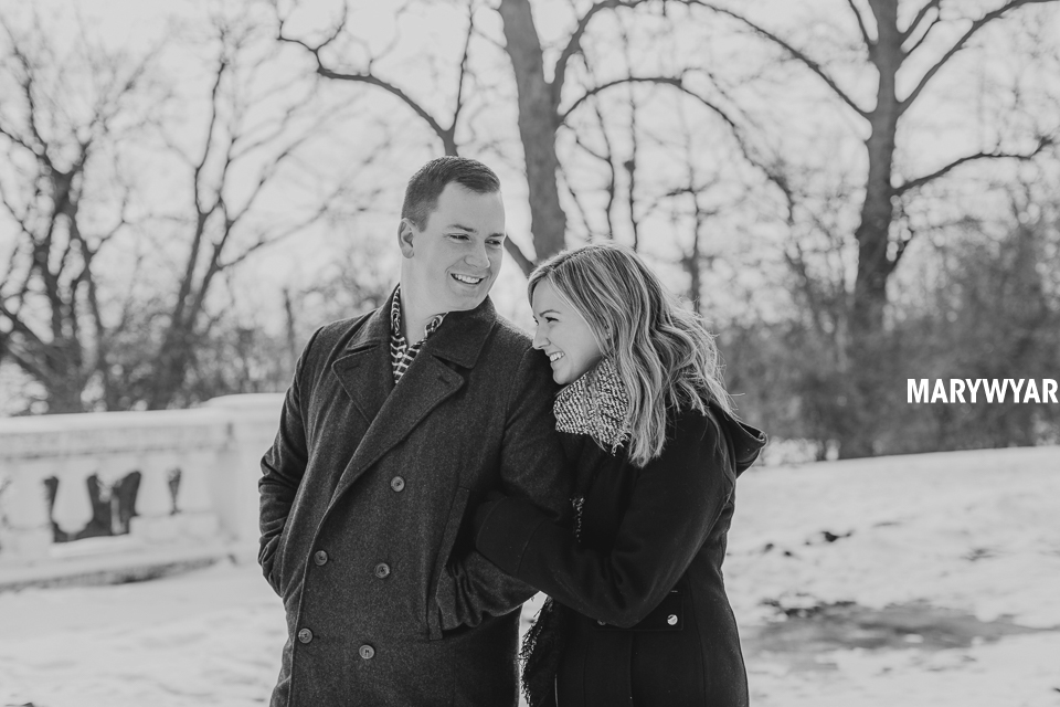 Toledo-Winter-Engagement-Photos-LaurenBrodie-09