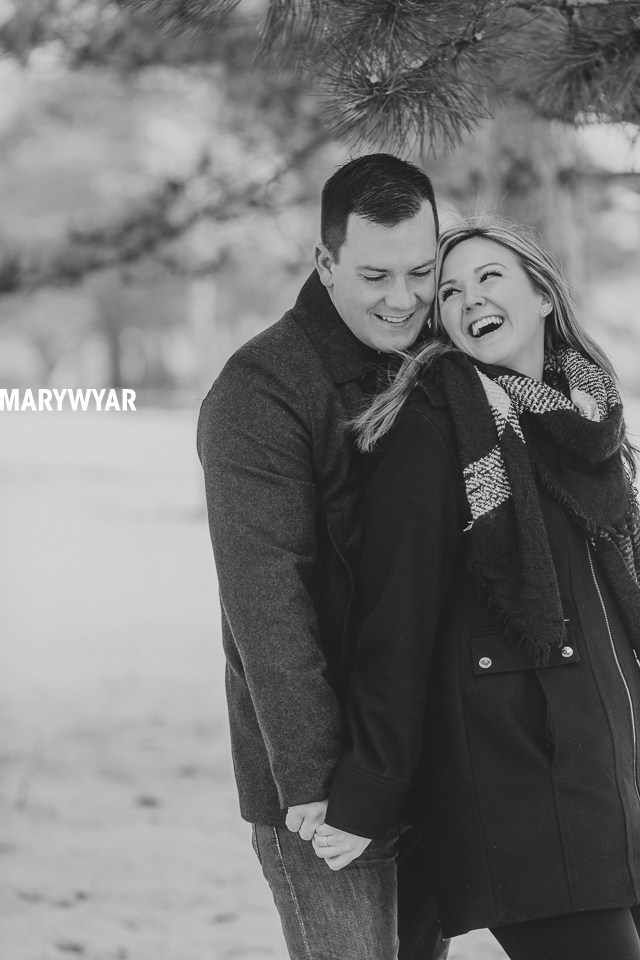 Toledo-Winter-Engagement-Photos-LaurenBrodie-11