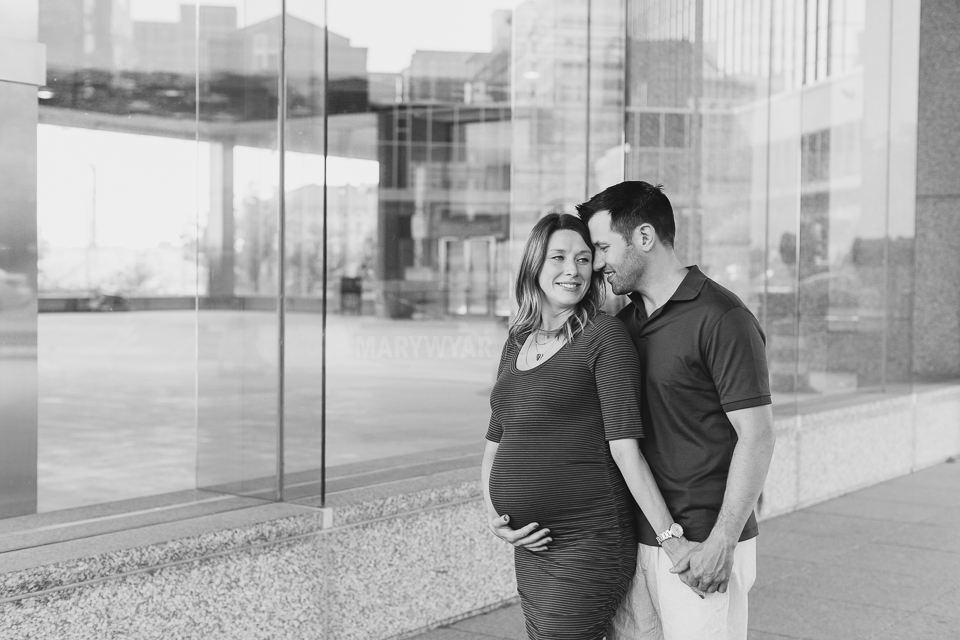 Toledo-Maternity-Baby-Bump-Downtown-Modern-Photos-05
