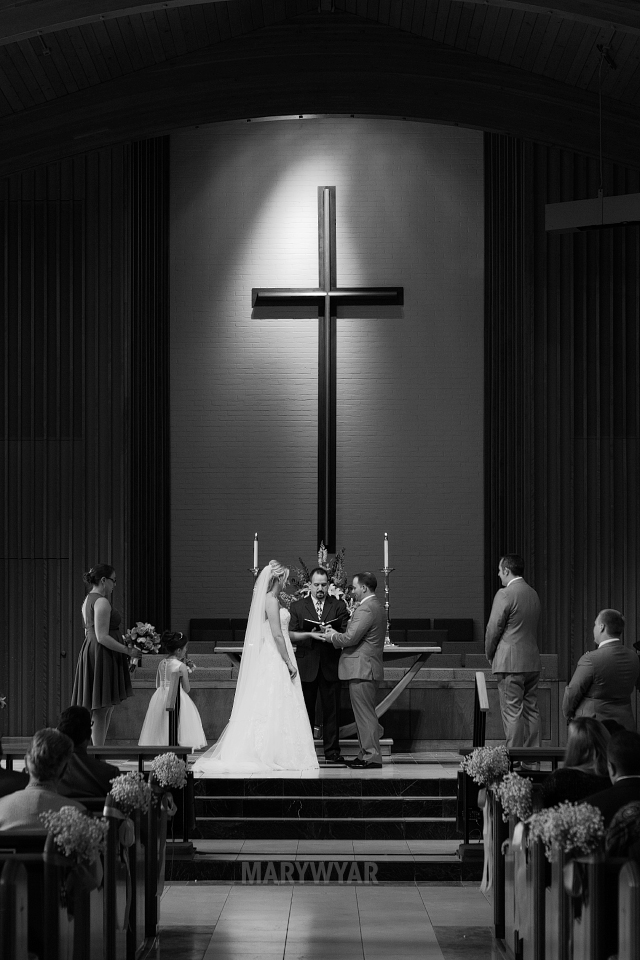 Nazareth-Hall-Wedding-Photos-Bartz-Viviano-Flowers-Epworth-06