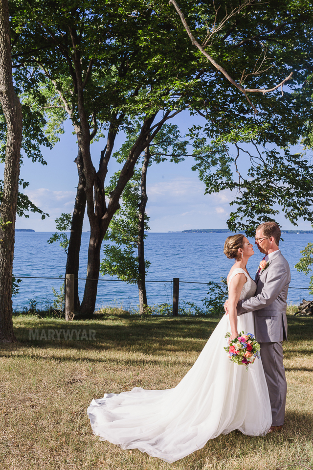 Catawba-Island-Club-Wedding-Photos-28