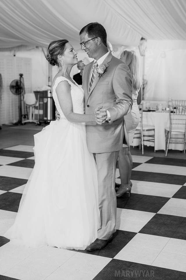 Catawba-Island-Club-Wedding-Photos-33