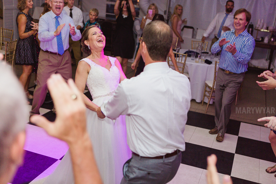 Catawba-Island-Club-Wedding-Photos-45