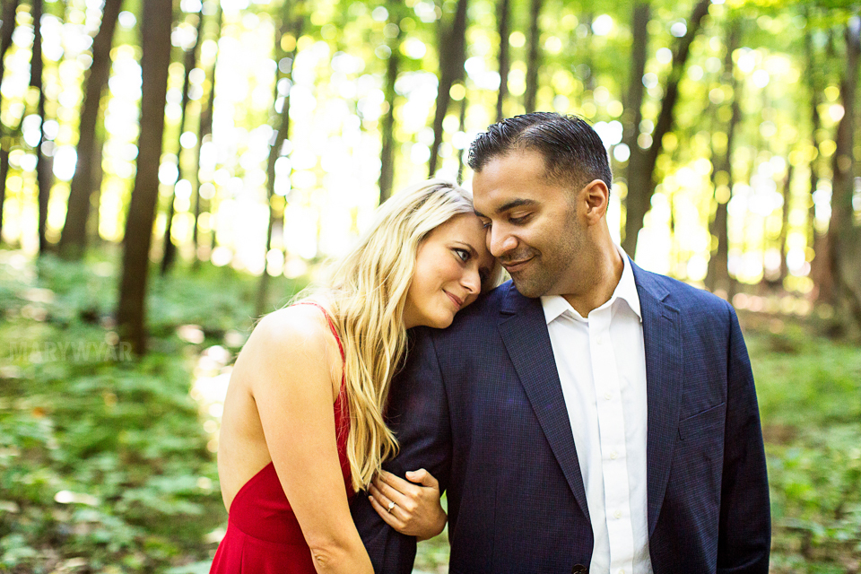 Toledo-Golden-Hour-Engagement-Photos-002
