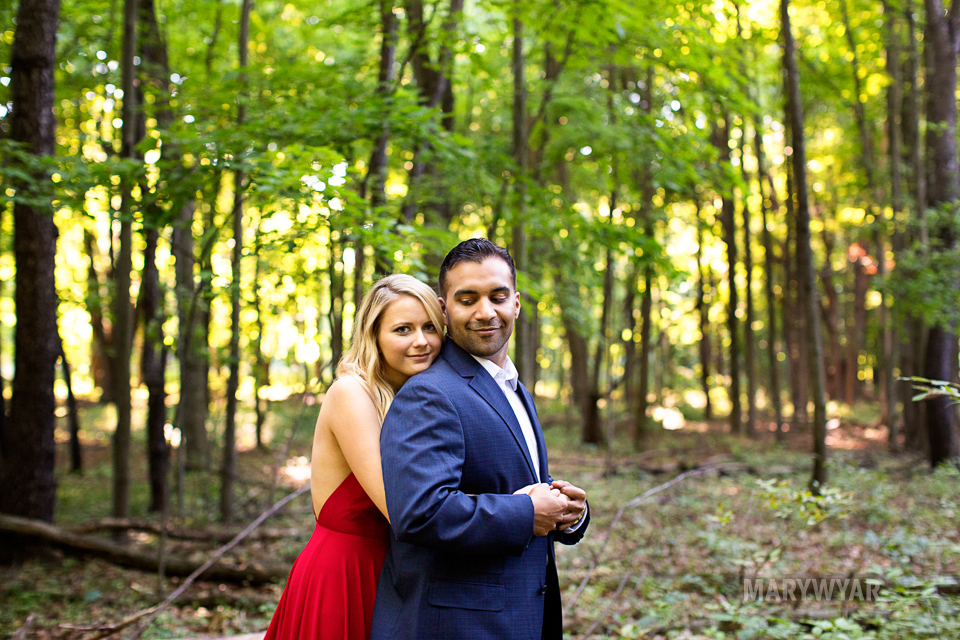 Toledo-Golden-Hour-Engagement-Photos-005