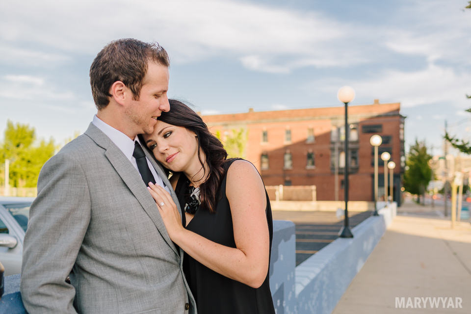 downtown-toledo-engagement-photos-15