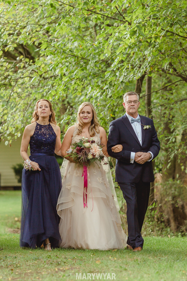 Rustic-Outdoor-wedding-perrsyburg-toledo-ohio-photos-26
