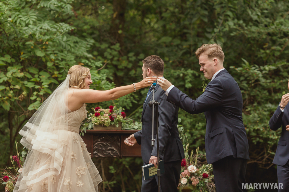 Rustic-Outdoor-wedding-perrsyburg-toledo-ohio-photos-32
