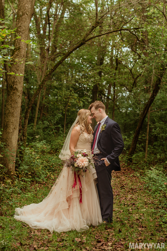 Rustic-Outdoor-wedding-perrsyburg-toledo-ohio-photos-49