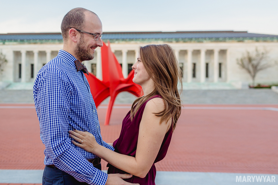 Toledo-Museum-of-Art-engagement-photos-04