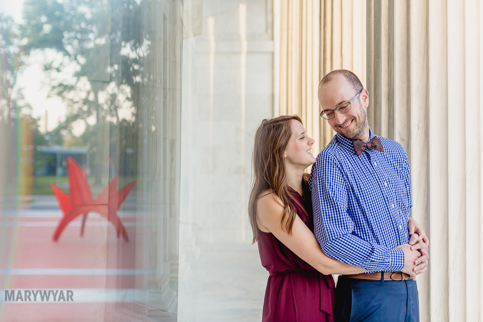 Toledo-Museum-of-Art-engagement-photos-09