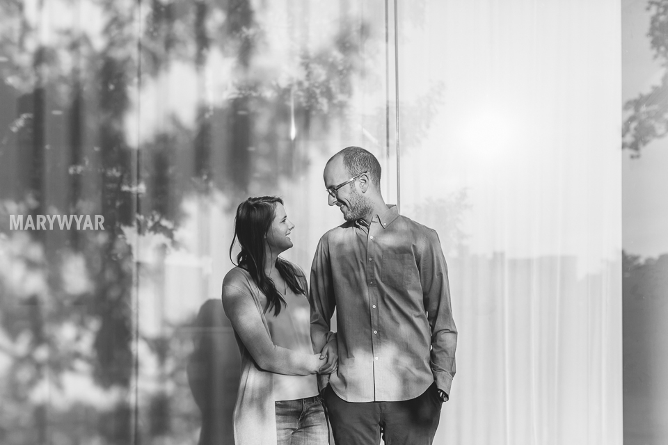 Toledo-Museum-of-Art-engagement-photos-11