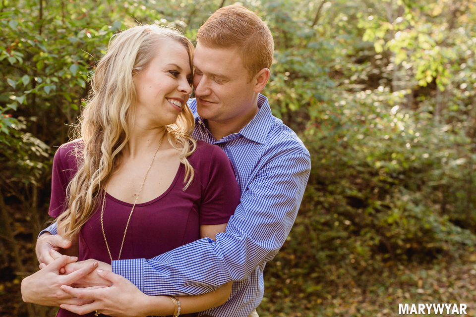 Toledo-fall-engagement-photos-sidecut-park-008
