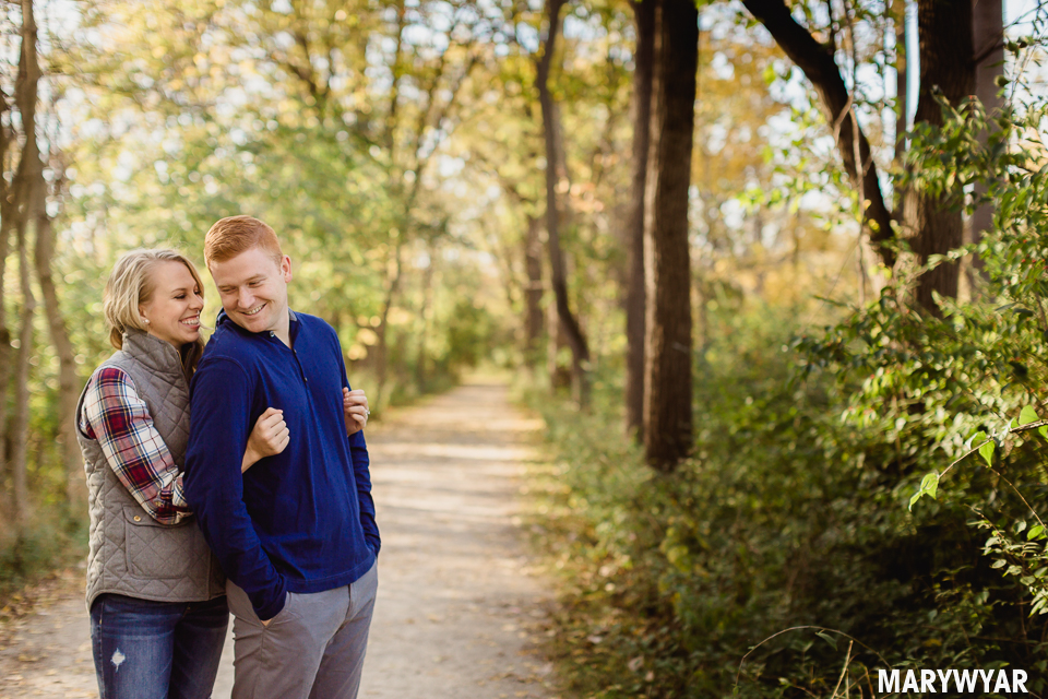 Toledo-fall-engagement-photos-sidecut-park-013