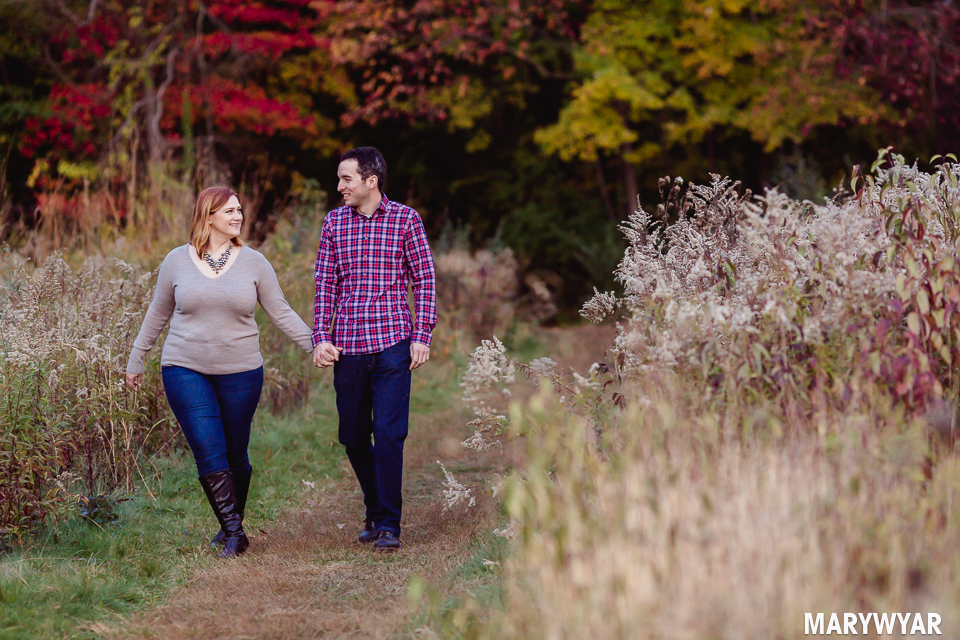 Toledo-fall-engagement-photos-wildwood-park-003