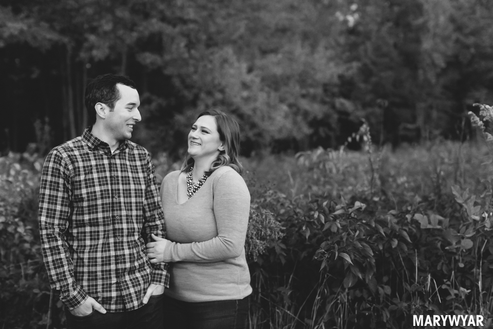 Toledo-fall-engagement-photos-wildwood-park-004