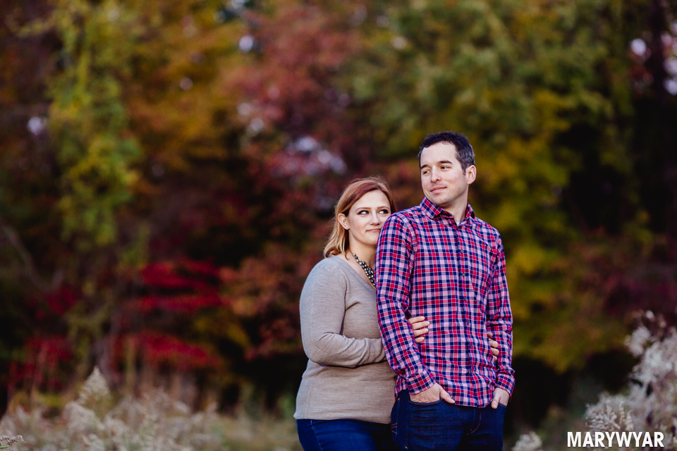 Toledo-fall-engagement-photos-wildwood-park-005