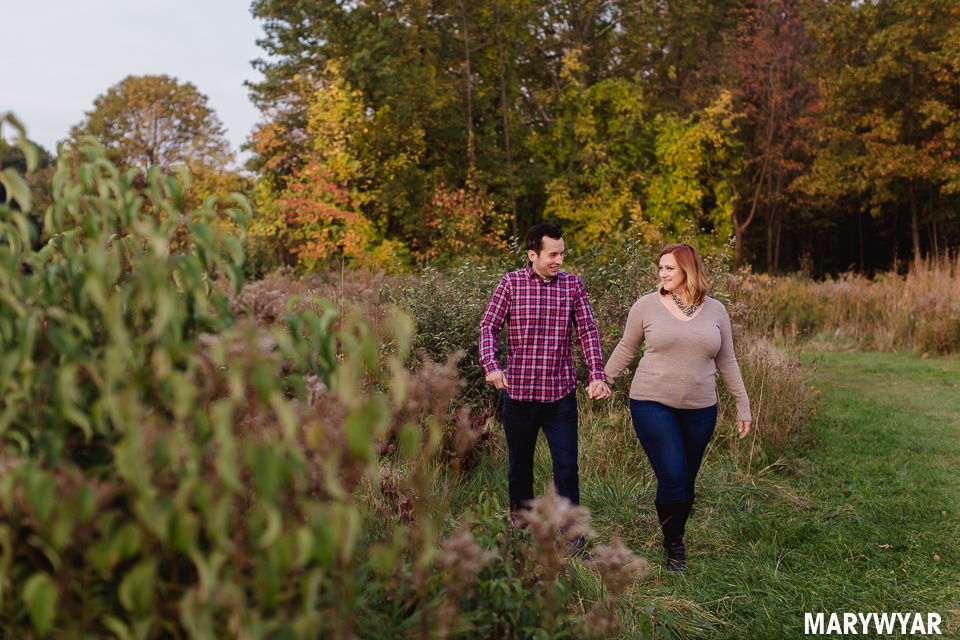Toledo-fall-engagement-photos-wildwood-park-011