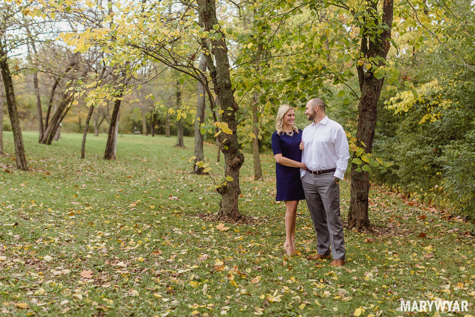 fall-toledo-engagement-photos-005