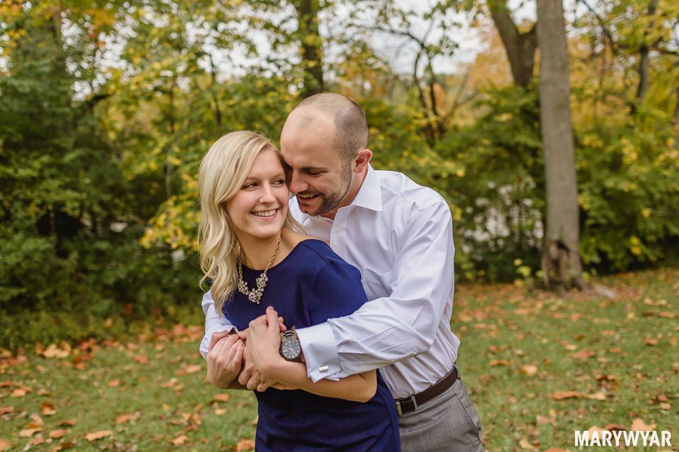 fall-toledo-engagement-photos-006