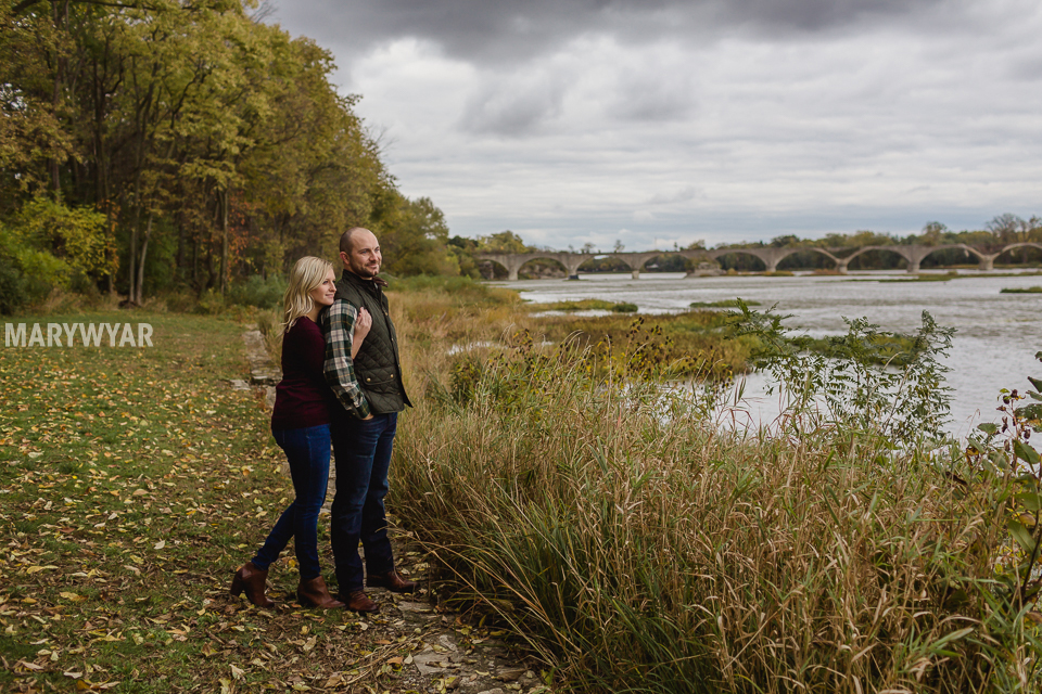 fall-toledo-engagement-photos-010