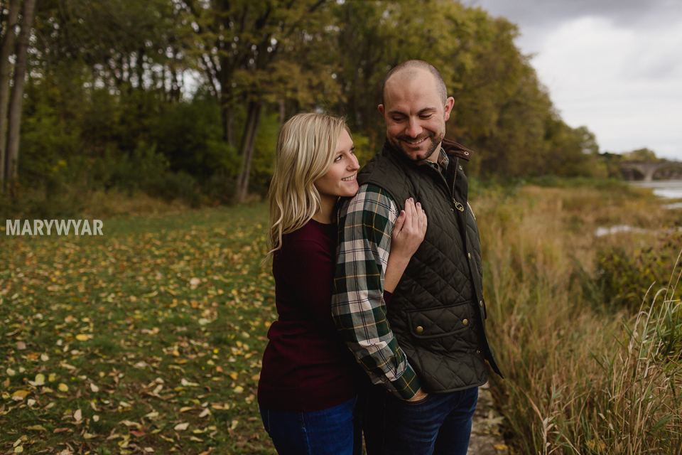 fall-toledo-engagement-photos-011